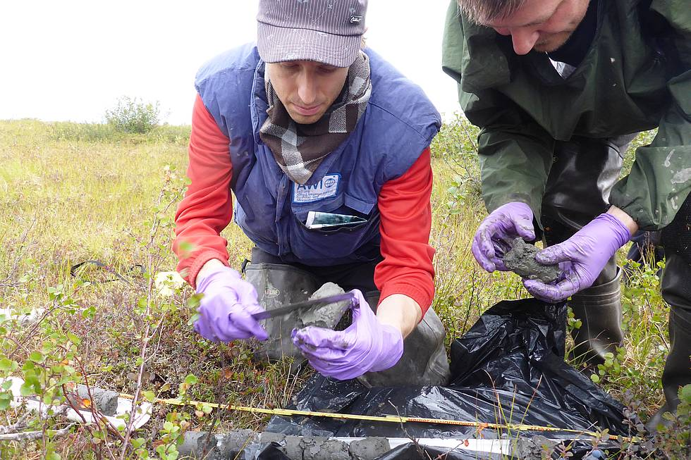 Matthias and Guido sampling permafrost cores in the Kobuk Delta