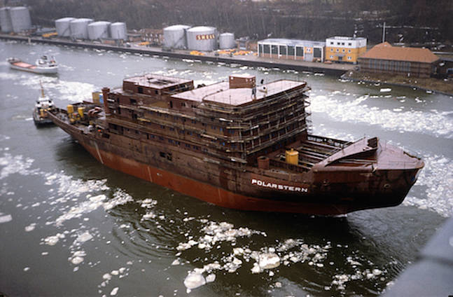 Contruction of Polarstern in 1982