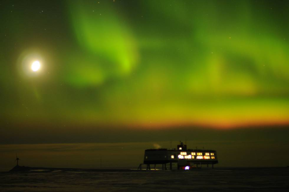 Aurora Borealis at the Neumayer Station III