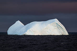 Researchers unravel the drivers of large iceberg movement