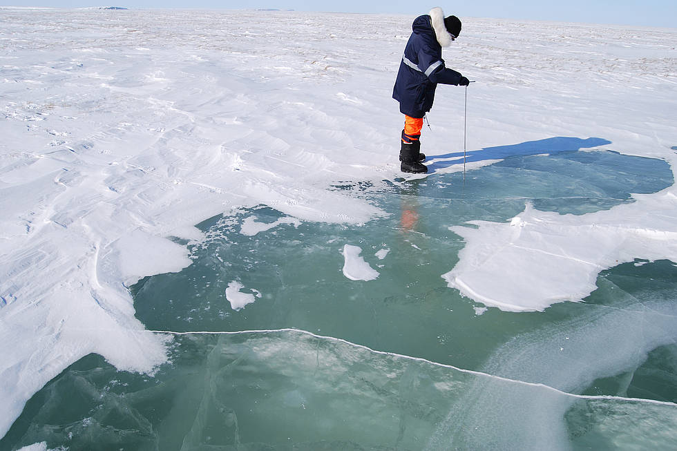Measuring the ice cover
