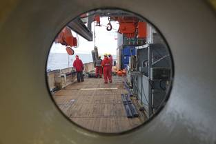 Fig. 3: A curious bull's-eye view on the activities of Polarstern's working deck