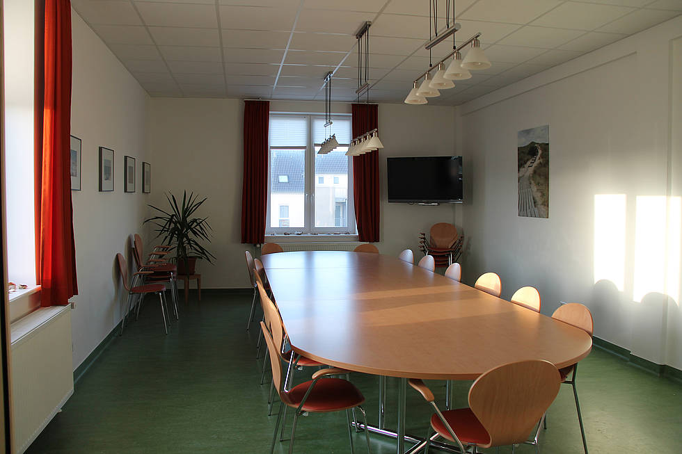 The dinner and workshop room on the first floor of the AWI guesthouse Möbius in List/Sylt.