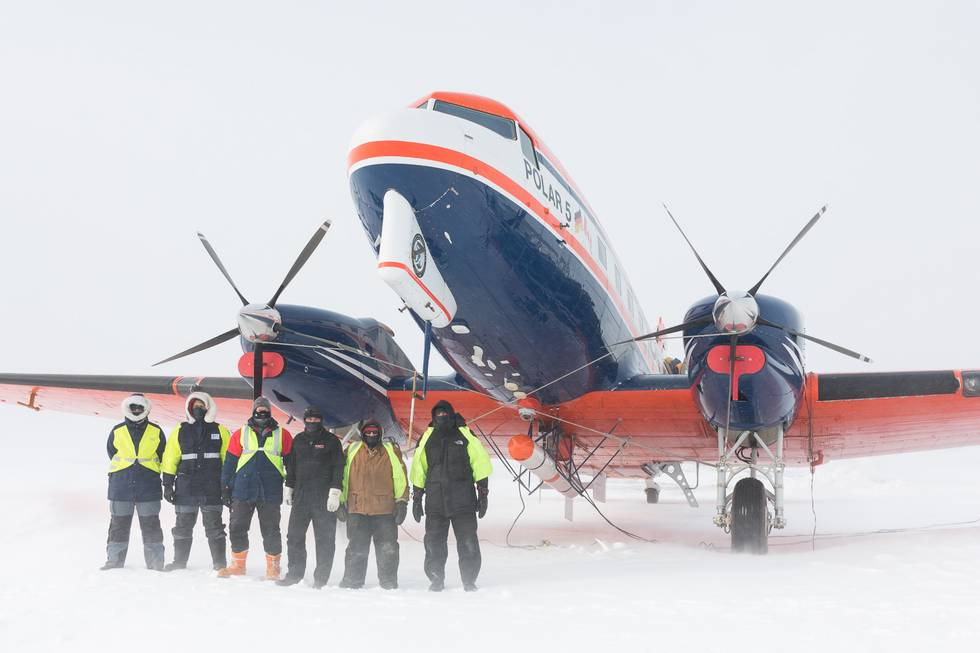The NETCARE-Polar-5 team: Pilots, aircraft mechanics, science support staff and scientists work together to collect sea ice data in the Arctic.