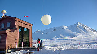 Start of a ozone sensor in front of the balloon hall in Ny-Ålesund at Spitsbergen.