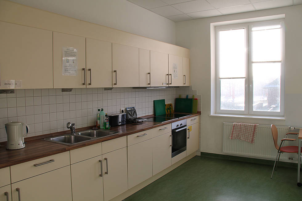 The fully-equipped kitchen of the AWI guesthouse MÖBIUS in List/Sylt.